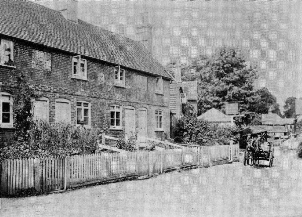 Horseshoe Cottages in the early 20th Century