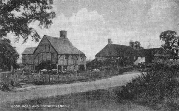 Moor Road and cottages, Shenton
