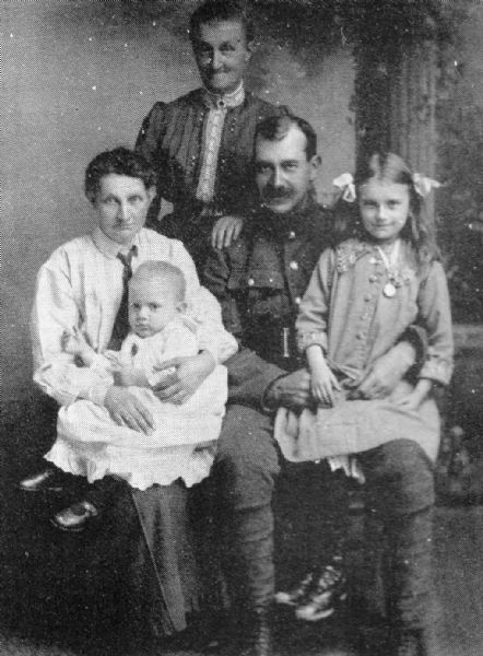 Agnes Grigg and family